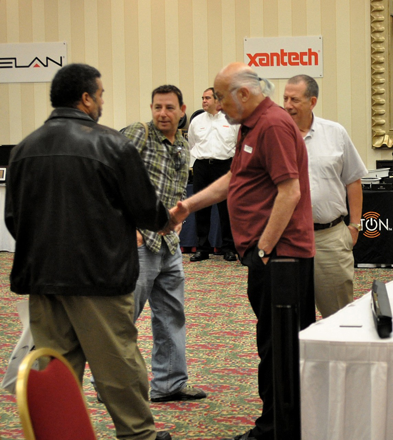 Ron Meyerowitz Greets Dealers at Alliance Expo