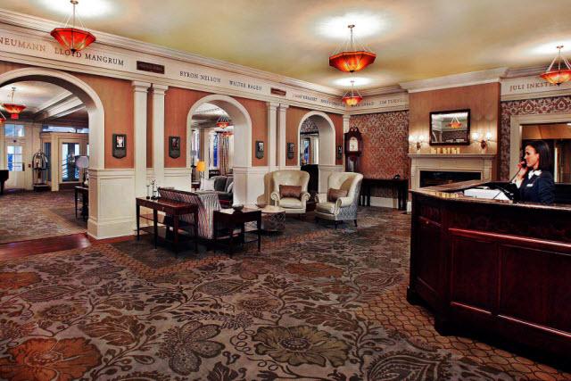 Photo of lobby of Seaview