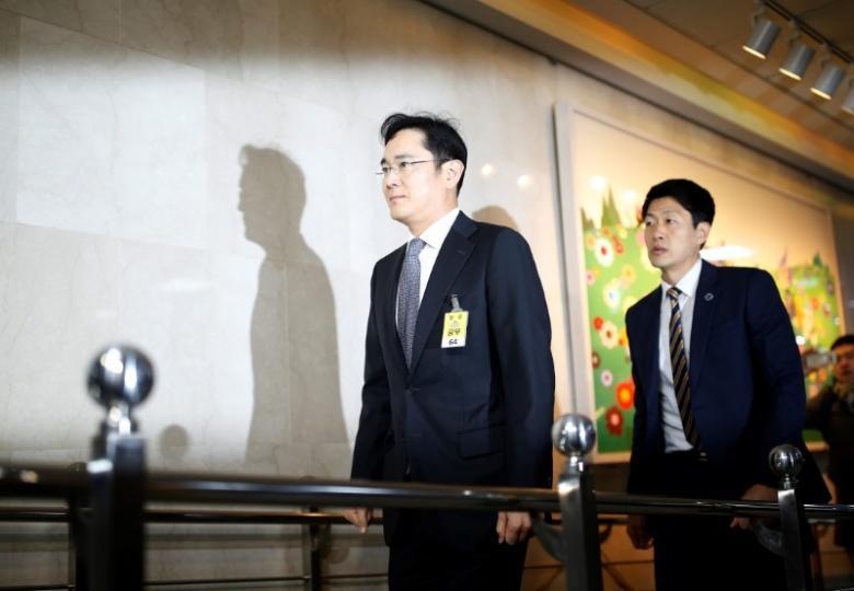 Samsung Electronics vice chairman Jay Y. Lee (center) Photo: REUTERS/Kim Hong-Ji