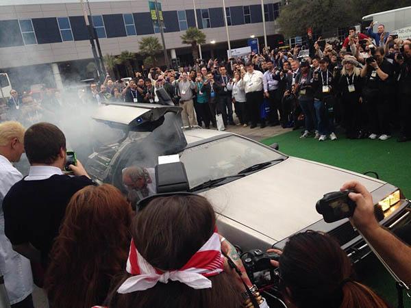 Photo of arrival of DeLorean