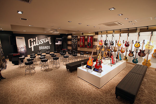 Photo of interior of Gibson Tokyo showroom