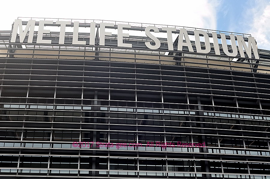 Photo of exterior of MetLife Stadium